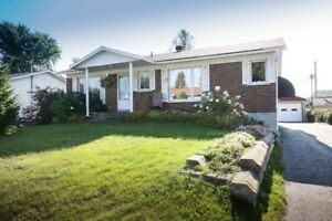 Garage 18 X 24 P. Maison à vendre à St-Charles-Borromée !