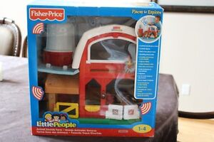 little people farm- barely used, in box! like new! $20 TOY FARM