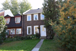 TOWNHOUSE FOR RENT - 3BR - 2B - 1200pc -  ÎLE-BIZARD