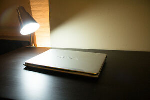 14.1 Sony Vaio Laptop E series with limited edition Vaio mouse