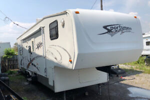 2006 super sport toyhuler 35ft with loft and slide $11,900