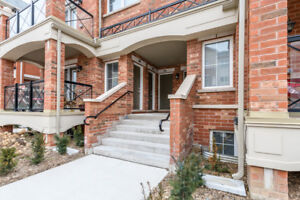 2 bedroom/2 washroom/parking beautiful condo townhouse available