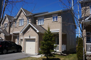 Bridlewood Executive end unit townhome