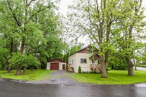 Maison 3 CAC avec garage double (ile Ste-Thérèse)