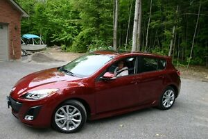 2010 Mazda Mazda3 Sport Hatchback (Lady Driven)
