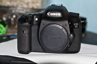 canon EOS 7D pro dslr body with charger