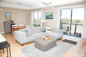 Beautiful 1 Bedroom + Den Condo in Luxurious Armoury Square