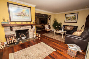 $3750(ORCA_REF#428W24)BEAUTIFULLY Renovated Family Home w/ Indoo North Shore Greater Vancouver Area image 4