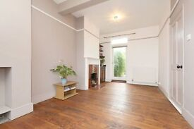 Three Double Bed House with Garden and Parking located Minutes to East Finchley Station