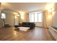 3 bedroom house in Michleham Down, WOODSIDE PARK, N12