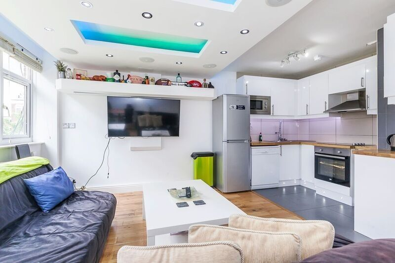 WOW FACTOR 4 DOUBLE BEDROOM APARTMENT AVAILABLE IN SHOREDITCH BETHNAL GREEN HOXTON