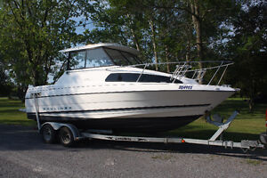 1996 Bayliner Motorboat and Trailer in MINT condition.