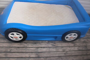 Little Tikes  Children's Car Bed