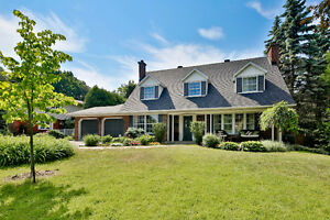 OPEN HOUSE-Large updated home in Beaconsfield! NEW!