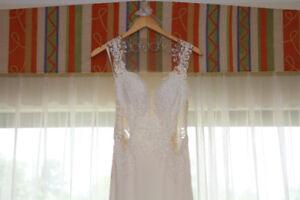 Beautiful Ivory Wedding Dress, Size 2