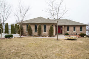 3915 Stonepoint Drive, South Frontenac, ON