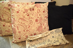 4 Accent Pillows / Cushions