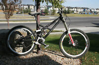 2010 Canfield Jedi F1 Large Downhill Mountain Bike