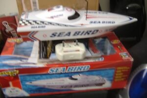 !!! NEW!!! TOYS-R-US R/C SEA BIRD SPEED BOAT