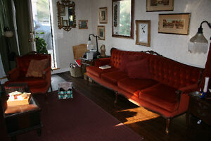 French Provincial Sofa and Chair, Antique Set Kawartha Lakes Peterborough Area image 4