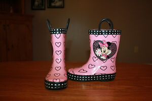size 8 toddler Minnie Mouse rainboots