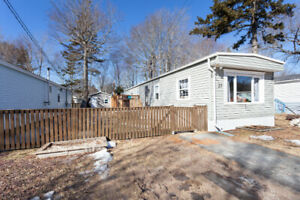 RENOVATED MINI HOME  37 Elcona Ave, Middle Sack.  $65,900.00