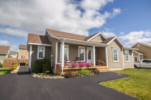 WELL MAINTAINED BUNGALOW IN BROOKSIDE WEST