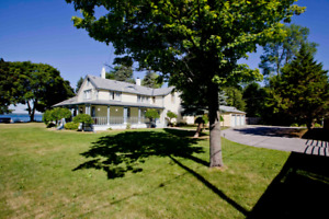 Keswick Waterfront 7 Beds Cottage For Rent