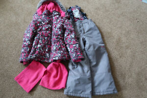Girls size 7 snowsuit, neck warmer and toque Osh Kosh