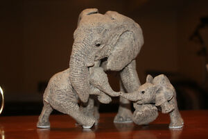 "Martha Carey ""The Herd"" collectible elephant - A Trunkful"