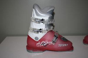 Girl ski boots Tecnica RJ 23.5 (shoe size 6, 6.5)