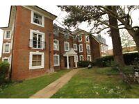 2 bedroom flat in Devonshire House, Woodside Park, N12