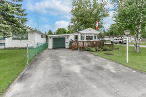 Amazing 2 bedroom mobile home in popular park in Angus!