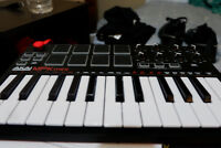 Akai Professional MPK Mini MKII | 25-Key USB MIDI Keyboard & Dru