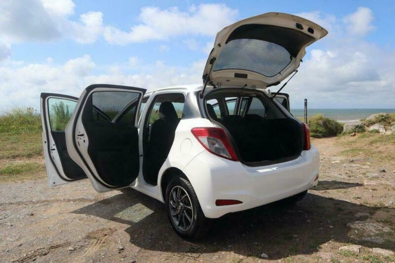 2013 Toyota Yaris 1.0 VVT-I EDITION 5d 70 BHP Hatchback Petrol Manual