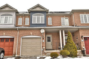 FREEHOLD T/Home in Desirable Corporate area - Burlington