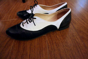 Black and white leather oxfords, new London Ontario image 2