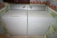 Whirlpool Washer and dryer/ Whirlpool laveuse et secheuse