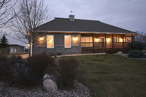 28059 Park Road, Rm of Springfield - Listed by Connie Levesque