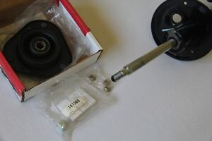 Front Struts, left and right,and mounts 2003-2008 Toyota Corolla Kitchener / Waterloo Kitchener Area image 3