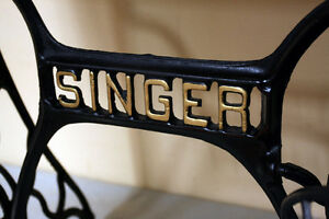 Brilliant Original SINGER IRON SEWING TABLE  SEE VIDEO