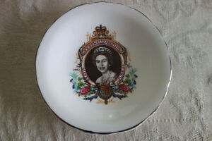 Royalty Pin Dish Queen Elizabeth II