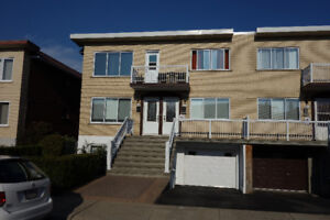 MLS 21528428 Beautiful duplex Property maintained with care