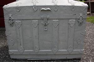 Coffre antique