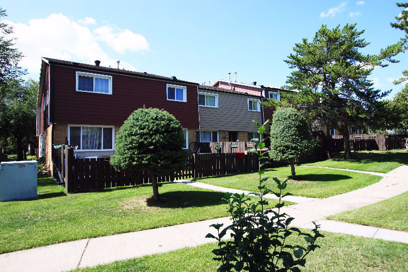 2 Bedroom Townhouse For Rent North Edmonton | Apartments ...