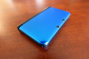 Blue 3DS XL with 20 Games