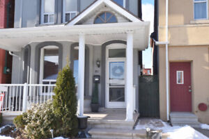 House in  downtown Hamilton to rent.