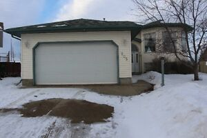 Timberlea BI LEVEL 5Bedrms/ 3 Baths Double Attached Garage