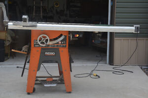 """Ridgid TS3650 10"""" table saw c/w router table and accessories"""