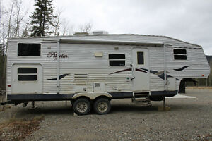 2005 27' 5th wheel with bunks